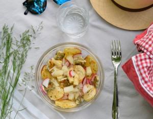 Power bowl di primavera per un picnic all'aria aperta